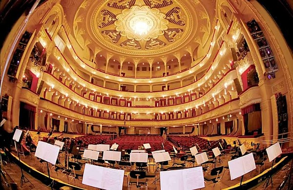 Popular tourist site National Opera of Ukraine in Kyiv