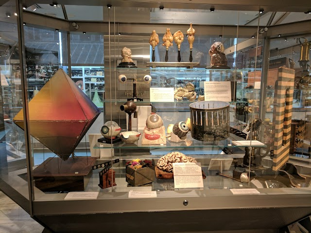 The Collection of Historical Scientific Instruments at the Putnam Gallery