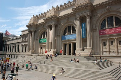 Metropolitan Museum Of Art Parking - Find the Cheapest Street Parking and Parking Garage near Metropolitan Museum Of Art | SpotAngels