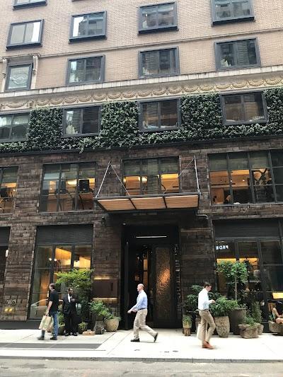 1 Hotel Central Park Parking - Find Cheap Street Parking or Parking Garage near 1 Hotel Central Park | SpotAngels