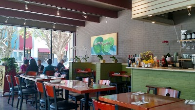 Sweet Lime Thai Cuisine Parking - Find Cheap Street Parking or Parking Garage near Sweet Lime Thai Cuisine | SpotAngels