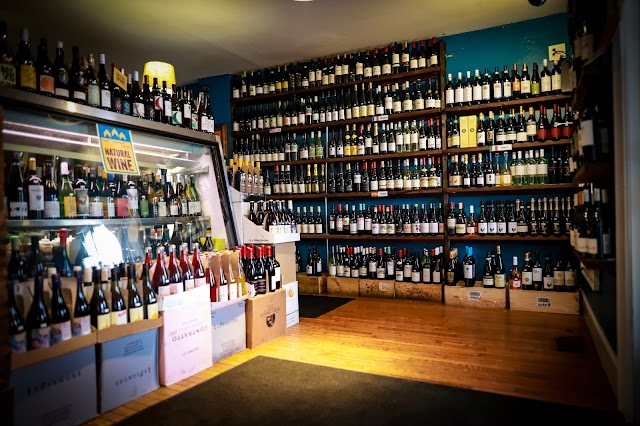 Mudgie's Deli and Wine Shop