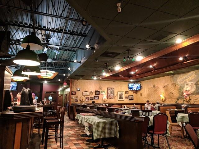 Cloverleaf Bar & Restaurant