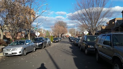 Glendale Parking - Find Cheap Street Parking or Parking Garage near Glendale | SpotAngels