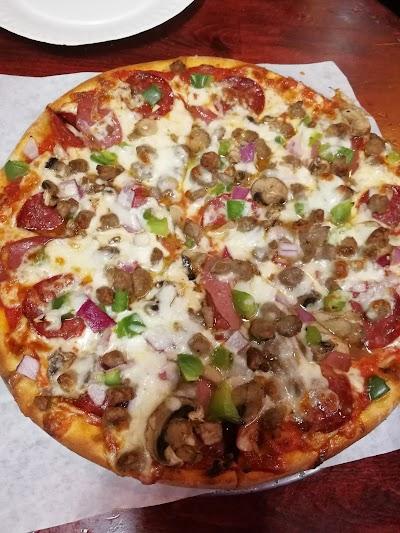 Veracio's Pizza Parking - Find Cheap Street Parking or Parking Garage near Veracio's Pizza | SpotAngels