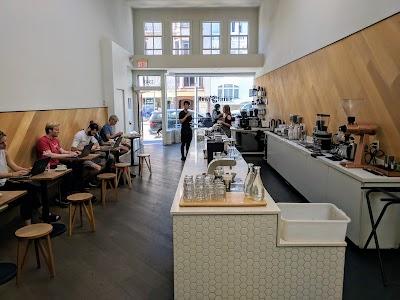 Saint Frank Coffee Parking - Find Cheap Street Parking or Parking Garage near Saint Frank Coffee | SpotAngels