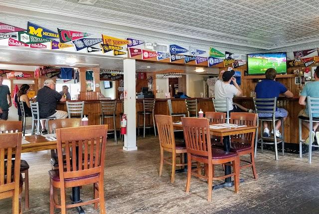 Kettle-Ho | Restaurant & Tavern