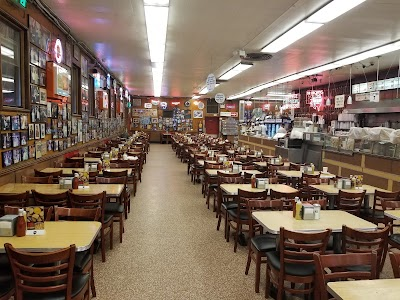 Awesome Deli Parking - Find Cheap Street Parking or Parking Garage near Awesome Deli | SpotAngels