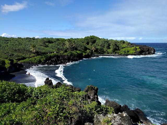 Waianapanapa Black Sand Beach image