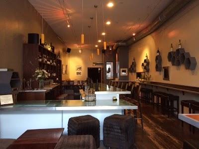 Nectar Wine Lounge Parking - Find Cheap Street Parking or Parking Garage near Nectar Wine Lounge | SpotAngels