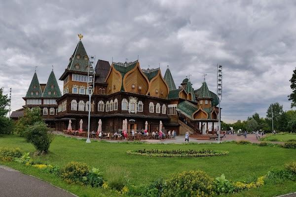 Popular tourist site Kolomenskoye in Moscow