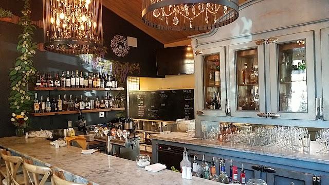 Luna Restaurant & Catering image