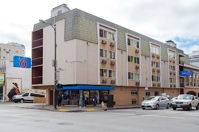 Motel 6 Parking - Find Cheap Street Parking or Parking Garage near Motel 6 | SpotAngels