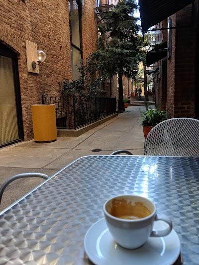 Jackson Place Cafe Parking - Find Cheap Street Parking or Parking Garage near Jackson Place Cafe | SpotAngels