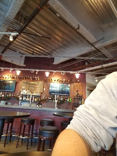 Oda Restaurant And Brewery Parking - Find Cheap Street Parking or Parking Garage near Oda Restaurant And Brewery | SpotAngels
