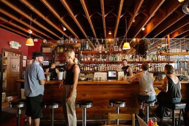 Linda's Tavern