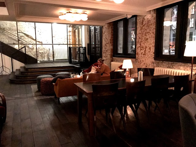 Lotti's Cafe Bar & Grill image