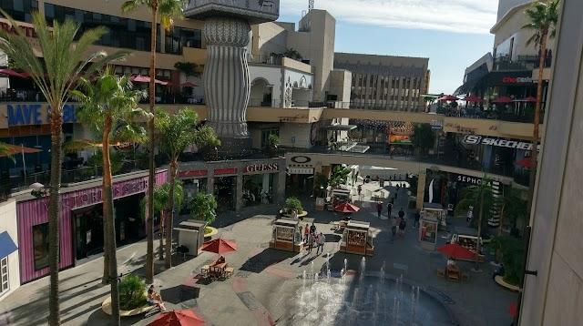 Hollywood Walk-of-Fame Modern Suite