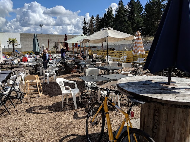 192 Brewing Company / The Lake Trail Taproom