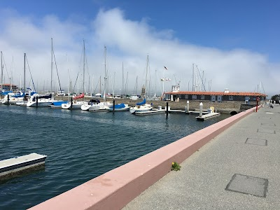 St Francis Yacht Club Parking - Find Cheap Street Parking or Parking Garage near St Francis Yacht Club   SpotAngels