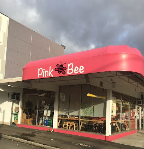 Pink Bee Curry and Sandwiches