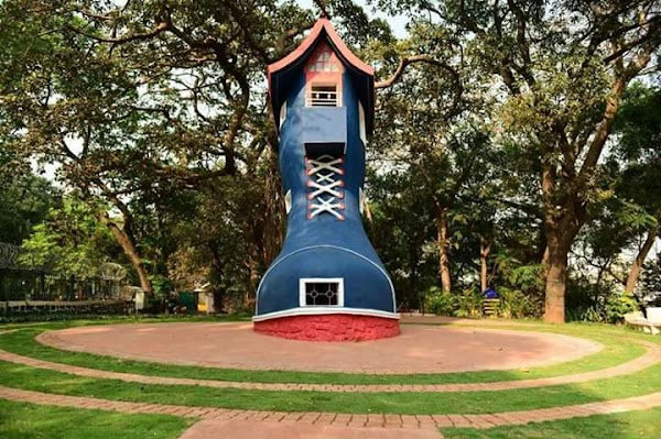 Popular tourist site Kamala Nehru Park in Mumbai