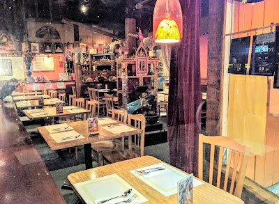 Bai Som Thai Kitchen Parking - Find Cheap Street Parking or Parking Garage near Bai Som Thai Kitchen | SpotAngels