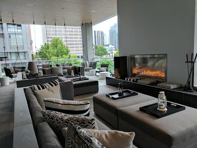 W Living Room Bar