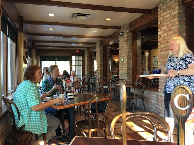 la Madeleine French Bakery & Cafe First Colony
