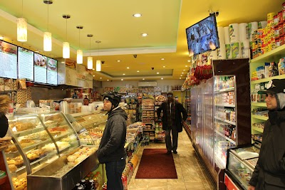 7 Brothers Deli Parking - Find Cheap Street Parking or Parking Garage near 7 Brothers Deli | SpotAngels