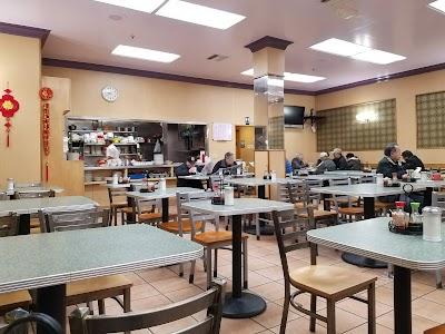 Washington Bakery & Restaurant Parking - Find Cheap Street Parking or Parking Garage near Washington Bakery & Restaurant | SpotAngels