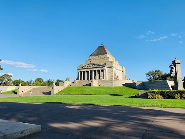Popular tourist site Shrine of Remembrance in Melbourne