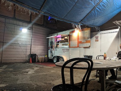 Crepes A Go Go Parking - Find Cheap Street Parking or Parking Garage near Crepes A Go Go | SpotAngels