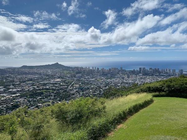 Popular tourist site Tantalus Lookout - Puu Ualakaa State Par in Honolulu