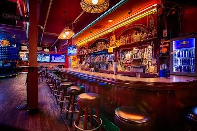 Silver Cloud Restaurant And Karaoke Bar Parking - Find Cheap Street Parking or Parking Garage near Silver Cloud Restaurant And Karaoke Bar | SpotAngels
