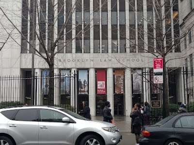 Brooklyn Law School Parking - Find Cheap Street Parking or Parking Garage near Brooklyn Law School | SpotAngels