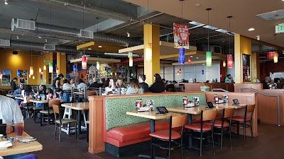 Applebee's Grill + Bar Parking - Find Cheap Street Parking or Parking Garage near Applebee's Grill + Bar | SpotAngels