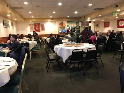 Riverside Seafood Restaurant Parking - Find Cheap Street Parking or Parking Garage near Riverside Seafood Restaurant | SpotAngels
