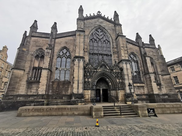 Popular tourist site St Giles' Cathedral in Edinburgh