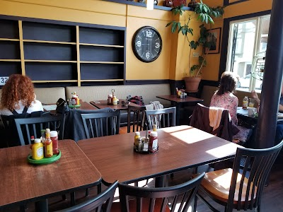 Morning Due Cafe Parking - Find Cheap Street Parking or Parking Garage near Morning Due Cafe | SpotAngels
