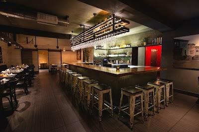 1601 Bar & Kitchen Parking - Find Cheap Street Parking or Parking Garage near 1601 Bar & Kitchen   SpotAngels