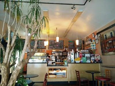 Cafe La Flore Parking - Find Cheap Street Parking or Parking Garage near Cafe La Flore | SpotAngels