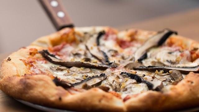 Zeeks Pizza