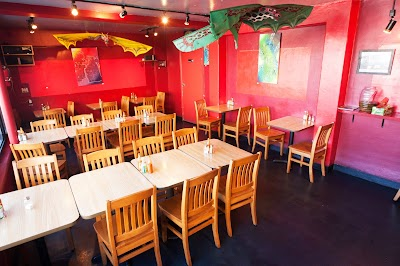 Papalote Mexican Grill Parking - Find Cheap Street Parking or Parking Garage near Papalote Mexican Grill | SpotAngels