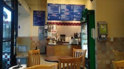 Buffalo Burger Restaurant Parking - Find Cheap Street Parking or Parking Garage near Buffalo Burger Restaurant | SpotAngels