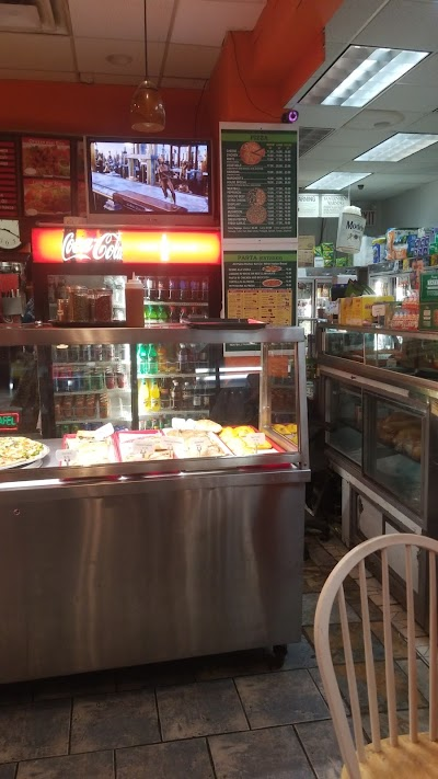Astoria Pizza Parking - Find Cheap Street Parking or Parking Garage near Astoria Pizza | SpotAngels