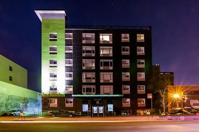 Hotel Bpm Parking - Find Cheap Street Parking or Parking Garage near Hotel Bpm | SpotAngels