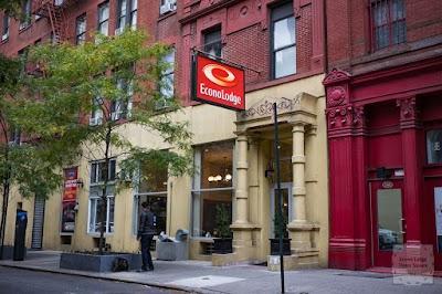 Econo Lodge Times Square Parking - Find Cheap Street Parking or Parking Garage near Econo Lodge Times Square | SpotAngels