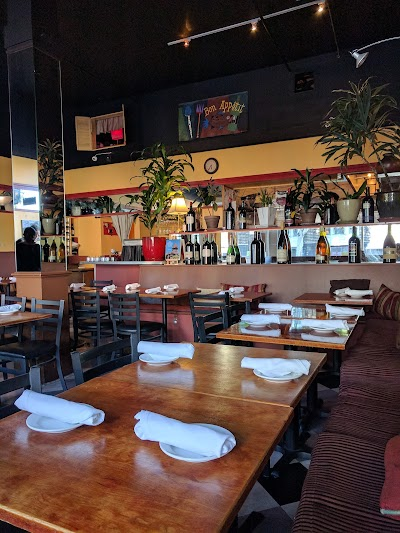 Alamo Square Seafood Grill Parking - Find Cheap Street Parking or Parking Garage near Alamo Square Seafood Grill | SpotAngels