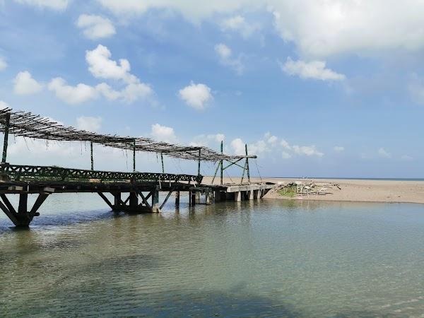 Popular tourist site Kayu Putih Beach in Canggu